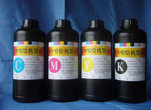 Mực in UV in chất liệu Mica,formex